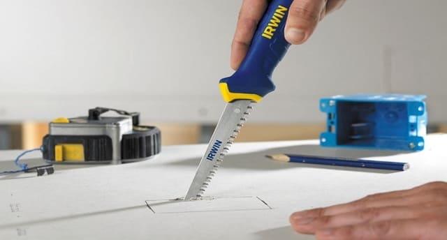 Как правильно резать гипсокартон ножовкой