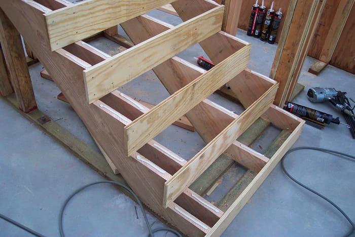 маршевая лестница пример изготовления косоура